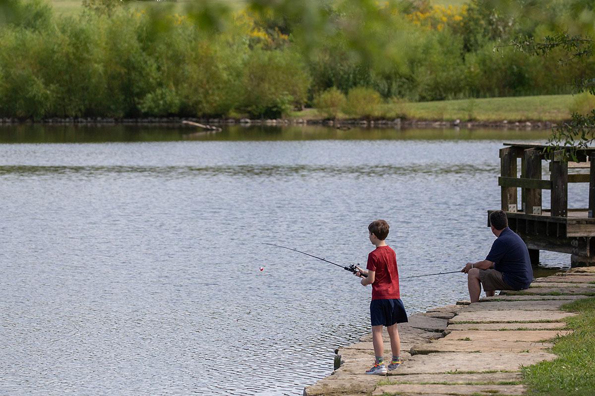 Pêche à Liberty Park. (Visitez Clarksville)
