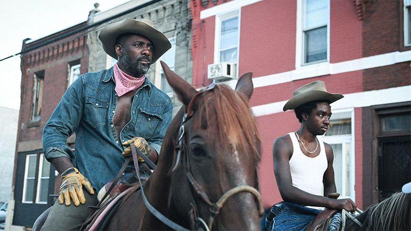 """Idris Elba joue dans un nouveau film sur les cowboys noirs appelé """"Cowboy en béton"""" sur Netflix.  NETFLIX"""