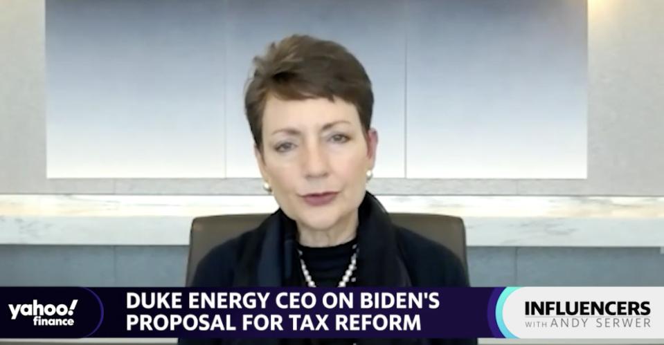 Lynn Good, présidente, présidente et chef de la direction de Duke Energy, s'entretient avec Andy Serwer, rédacteur en chef de Yahoo Finance, sur un épisode de