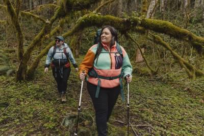 """Jenny Bruso avec elle """"Randonneurs improbables"""" randonnée en groupe dans l'Oregon"""