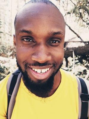 Quincy Egwu, 29 ans, a été retrouvé mort d'une exposition à la chaleur environnementale après qu'il ne soit pas revenu d'une randonnée dans les White Tank Mountains en août 2020.